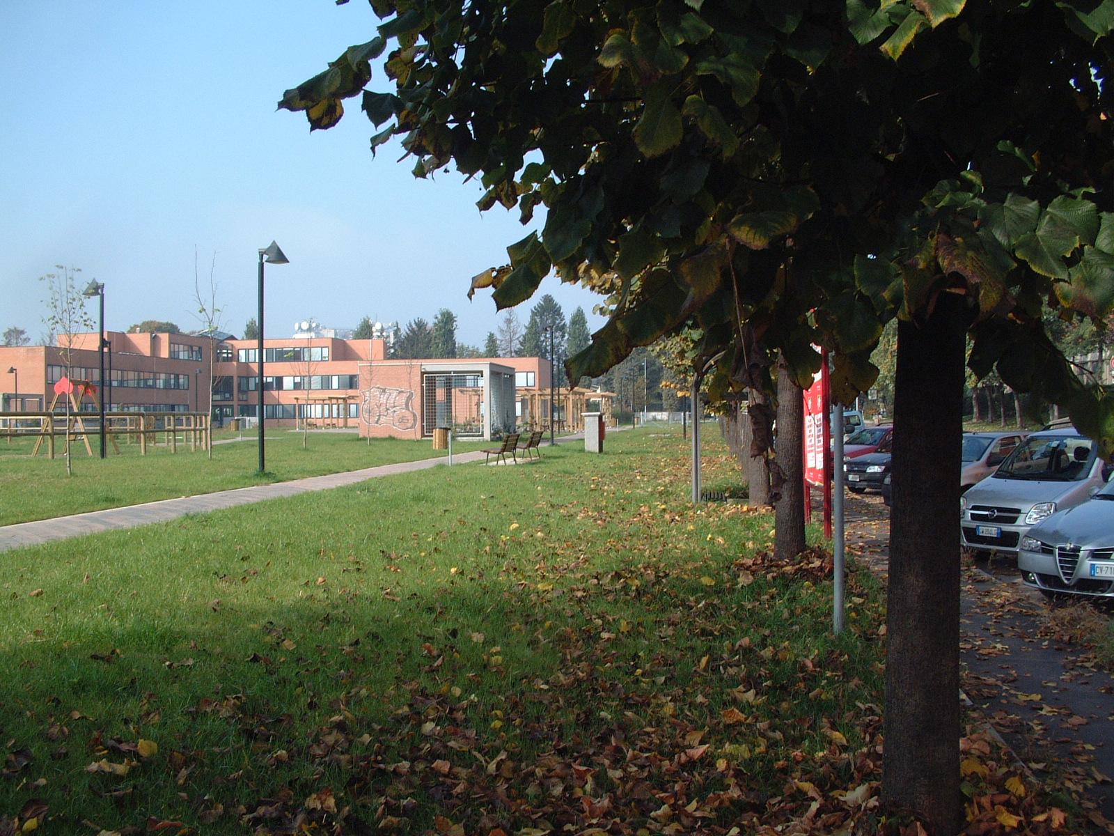 Sistemazione dell'area adiacente al nuovo Centro Socio-Sanitario di San Donato Milanese.